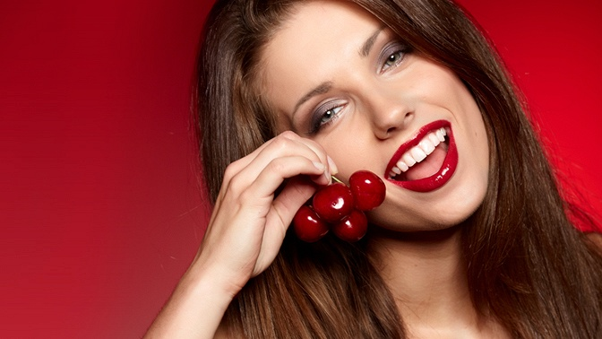 УЗ-чистка иполировка зубов, чистка AirFlow встоматологии «Арт»