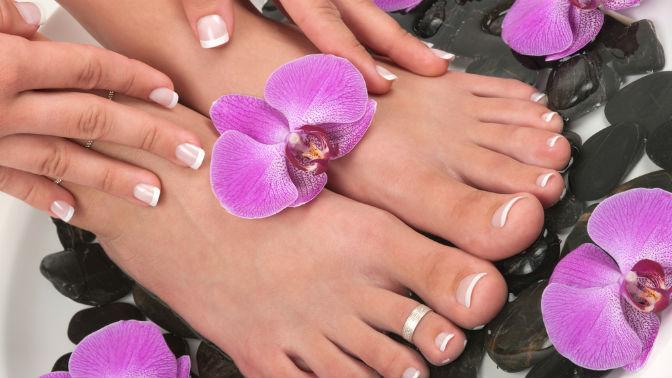 Маникюр ипедикюр спокрытием ногтей гель-лаком встудии красоты Missis BStudio