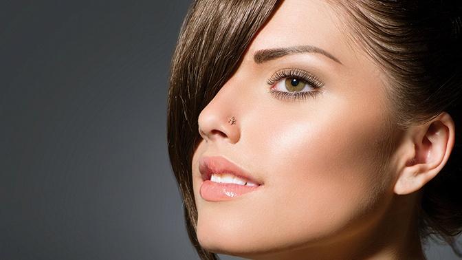 Макияж, стрижка, укладка, окрашивание, кератиновое выпрямление, восстановление, экранирование волос всети салонов «Бигуди»
