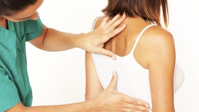 Первичный прием попрограмме лечения позвоночника исуставов методом кинезитерапии либо сеансы миофасциального массажа или релизинга в«Центре доктора Бубновского»