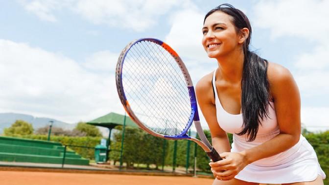 До2часов игры вбольшой теннис сарендой мячиков накортах теннисного клуба «Лев»