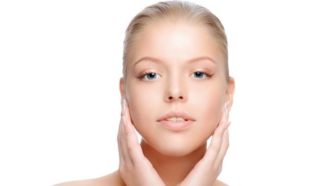 Ультразвуковая либо комбинированная чистка, лазерное омоложение или пилинг лица встудии красоты «Matrёshka»