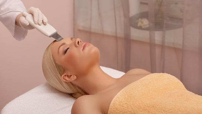 Ультразвуковая или комбинированная чистка, RF-лифтинг, пилинг, безынъекционная карбокситерапия лица либо нанесение альгинатной маски всалоне «Грация»