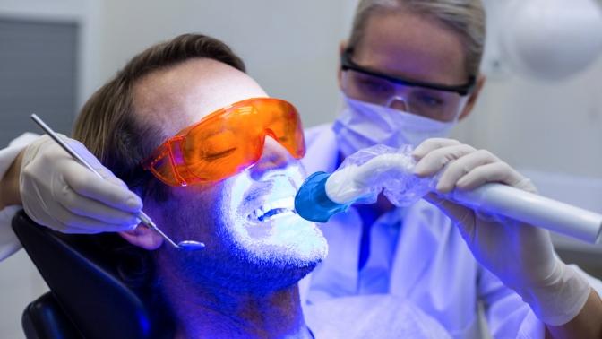 Гигиена полости рта, эстетическая реставрация зубов, лечение кариеса сустановкой пломбы или удаление зубов встоматологии «Ай-дентал»