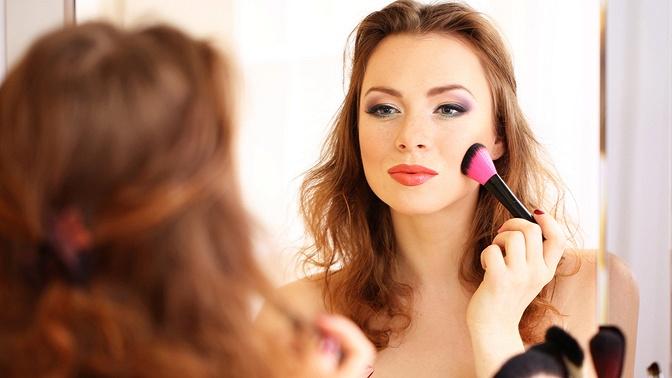 Индивидуальное обучение макияжу иработа свизажистом отстудии «Философия красоты»