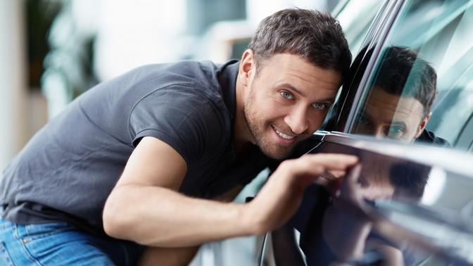 Комплексная или премиум-химчистка салона, полировка автомобиля либо покрытие «Антидождь» вавтоцентре «ЛисАвто»