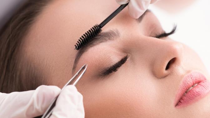 Коррекция иокрашивание, перманентный макияж, ламинирование или ботокс для бровей иресниц встудии красоты «Торин»