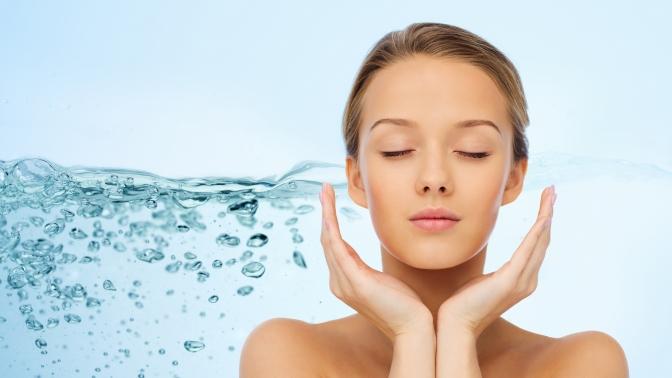 Ультразвуковая или комплексная чистка, пилинг лица, безынъекционная биоревитализация, классический массаж или RF-лифтинг встудии красоты «Аромат»