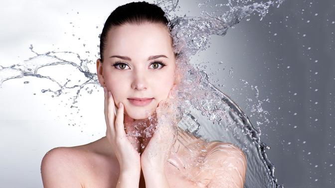 Комбинированная иультразвуковая чистка, RF-лифтинг кожи лица, шеи изоны декольте, всесезонный пилинг всалоне красоты «Арти»