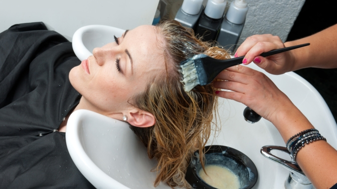 Мужская или женская стрижка, окрашивание, укладка волос вдоме красоты Татьяны Мышкиной