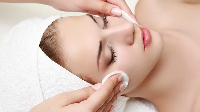 Комбинированная, механическая или атравматическая чистка лица, пластифицирующий массаж или безынъекционная мезотерапия, биоэнзимный пилинг вSPA-салоне «Источник здоровья»
