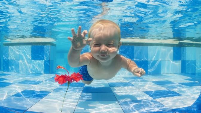 Абонемент на8занятий аквааэробикой для беременных или плаванием всемейном центре «Растем вместе»