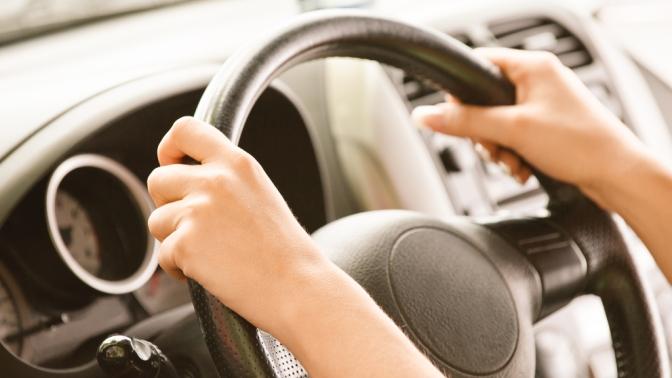 Обучение вождению транспортных средств категорииB попакетам «Премиум» и«Механика» отсети автошкол «СМАГ»