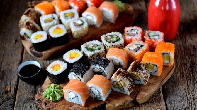 Роллы, суши илапша wok всети магазинов японской кухни BentoWok соскидкой50%