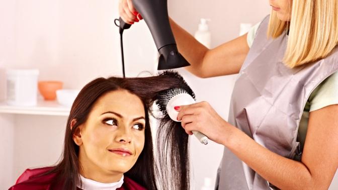 Стрижка, окрашивание, кератиновое выпрямление, ботокс, укладка волос всалоне «Дом красоты»