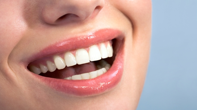 Отбеливание зубов до12тонов встудии отбеливания зубов White &Smile