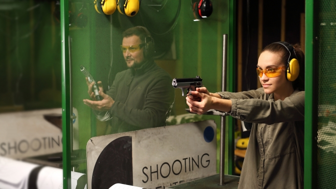 Обучение скоростной стрельбе изавтомата ипистолета встрелковом комплексе Shooter