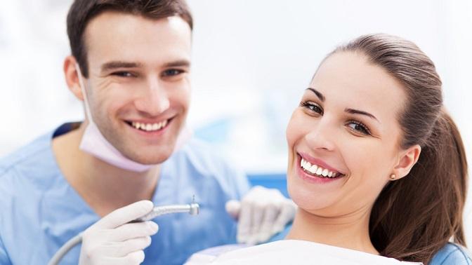 Ультразвуковая чистка зубов, лечение кариеса вклинике «Надежда»