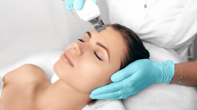 Ультразвуковая, атравматическая или комбинированная чистка, массаж либо микротоковая терапия лица встудии красоты вХимках