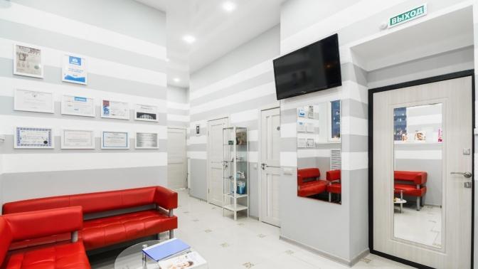 Ультразвуковая чистка зубов, чистка потехнологии AirFlow иполировка зубов встоматологической клинике «М-МедиаСтом»