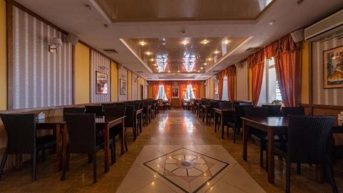 Отдых наберегу Горьковского моря с3-разовым питанием иразвлечениями вклубном отеле «Акватория»
