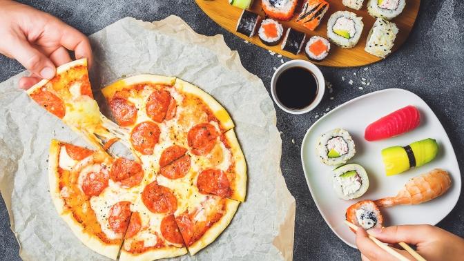 Всё меню, включая бургеры, пиццы, закуски, приправы инапитки отслужбы доставки «Эпатаж33» соскидкой 50%