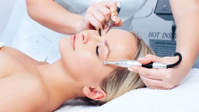 Ультразвуковая чистка, микротоковая терапия, RF-лифтинг или лифтинг-массаж лица встудии красотыK. Lab