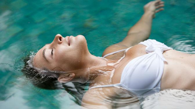 Процедуры флоатинга собертыванием ирасслабляющим массажем или без всалоне красоты «Леди»