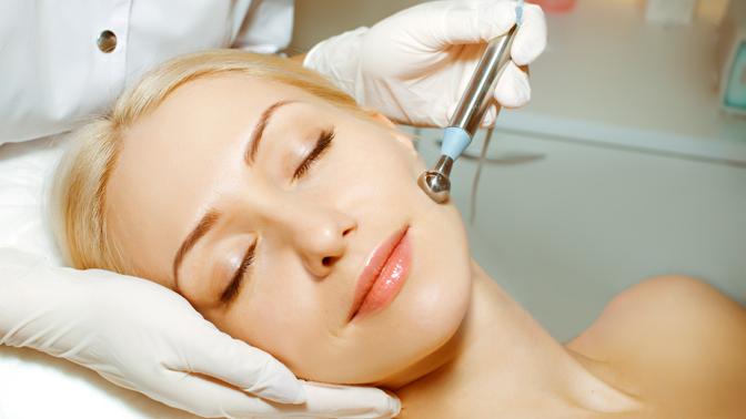 Чистка лица, микротоковая терапия, ультразвуковой лифтинг, нанесение альгинатной маски встудии «Эпиляшка»
