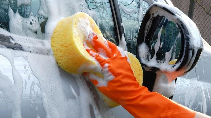 Комплексная мойка автомобиля спокрытием горячим воском вавтомойке «Зеркало»