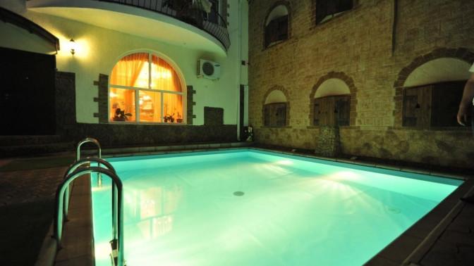 Отдых вАнапе наберегу Черного моря вномере категории стандарт спосещением бассейна, бани, тренажерного зала иразвлечениями вотеле «Максимус»