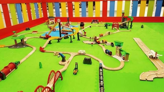 Посещение детской игровой площадки «Мир паровозов»