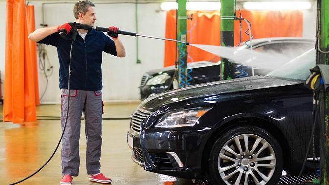 Мойка легкового автомобиля, внедорожника или минивэна попакету «Комплекс плюс» или «Стандарт» от«Автомойки наВаршавской»