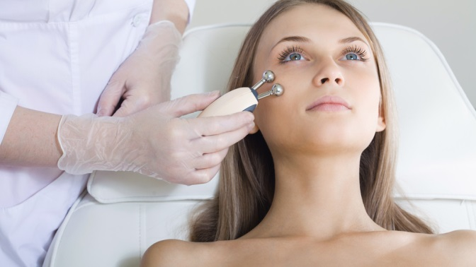 Чистка, электропорация лица, алмазная дермабразия, пилинг вмедицинской клинике AesteticaMed
