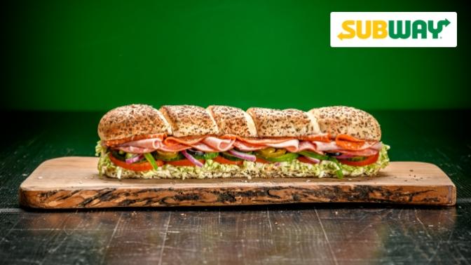 Сэндвичи инапитки вресторане быстрого питания Subway соскидкой50%