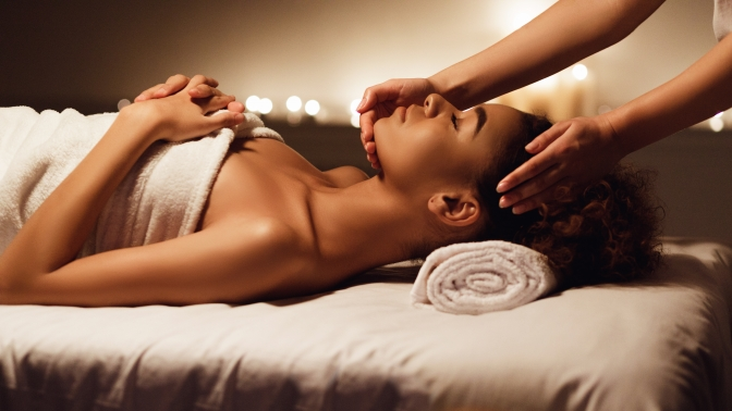 1, 3или 5сеансов антицеллюлитного массажа сароматерапией, медового, детского, лимфодренажного, массажа спины или шейно-воротниковой зоны вмассажном кабинете «Лана»
