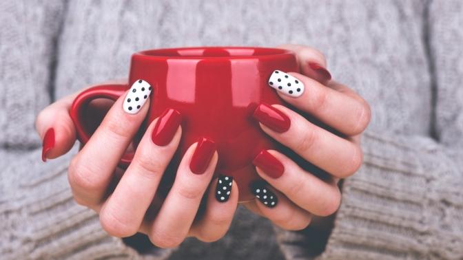 Маникюр ипедикюр спокрытием гель-лаком всалоне красоты Natural Beauty Nails