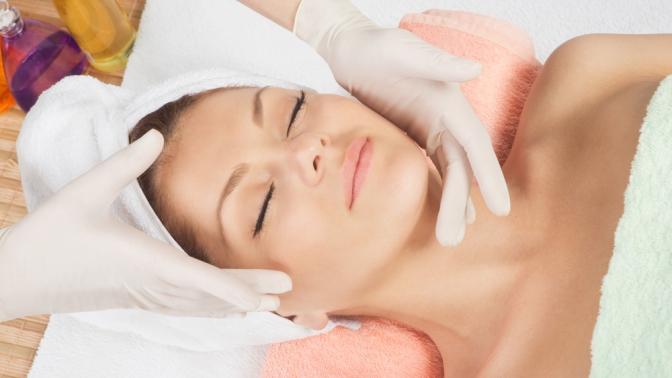 Ультразвуковая, механическая или комбинированная чистка, пилинг или процедуры поуходу закожей лица встудии красоты «Эволюшен»