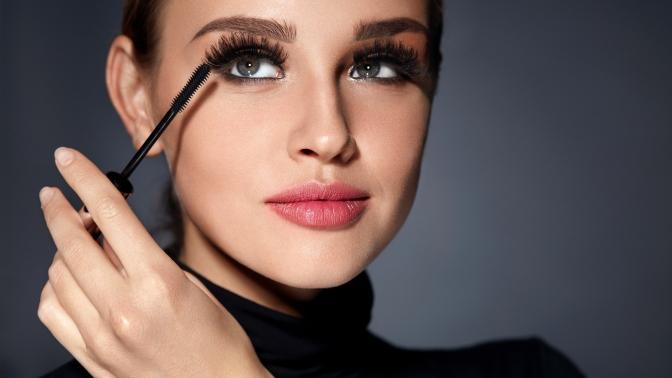 Ламинирование, окрашивание ресниц или долговременная укладка бровей вкабинете красоты Натальи Махоновой