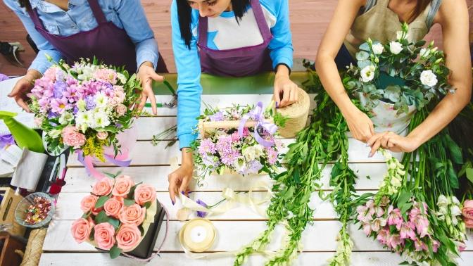 Цветочная композиция «Нежность», «Розовый букет цветов», «Страсть», «Розовые розы» или букет изроз «Сердце»