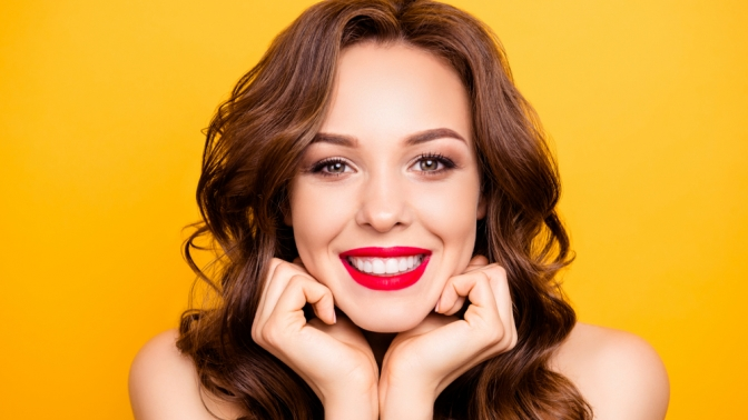 Комплексная чистка зубов или лечение кариеса встоматологии ARK.Dent
