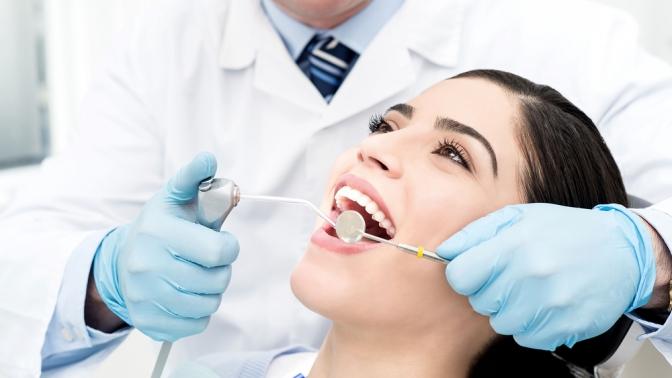 УЗ-чистка, серебрение, отбеливание зубов или установка скайса встоматологической клинике «Жемчужина» наАрбузова