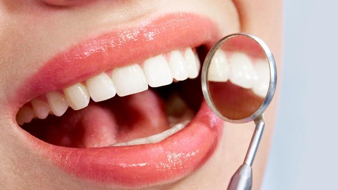 УЗ-чистка зубов, фторирование иполировка пастой отстоматологии «Денни» (588руб. вместо 4200руб.)