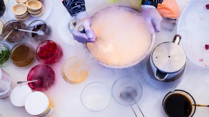 Посещение группового онлайн-мастер-класса помолекулярной кухне откомпании Molecularmeal (1972руб. вместо 5800руб.)