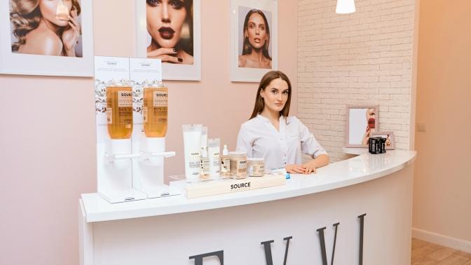 Сеансы УЗ-чистки сдарсонвализацией, карбонового пилинга или фотоомоложения кожи лица вбьюти-студии Evvi