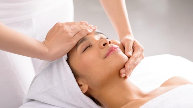 Чистка лица, мезотерапия, пилинг, RF-лифтинг, SMAS-лифтинг, массаж лица всалоне красоты Arkari