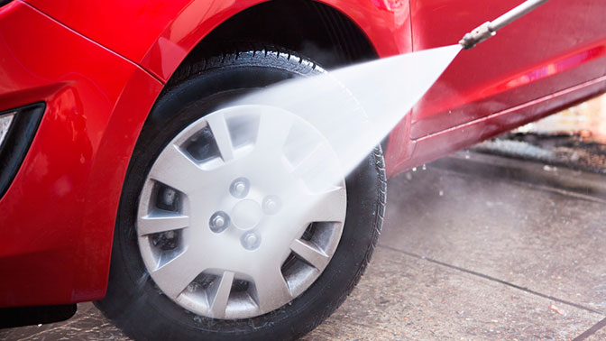 Бесконтактная мойка кузова автомобиля или комплексная мойка снанесением холодного воска ичернением резины отавтомойки Аutolavaggio