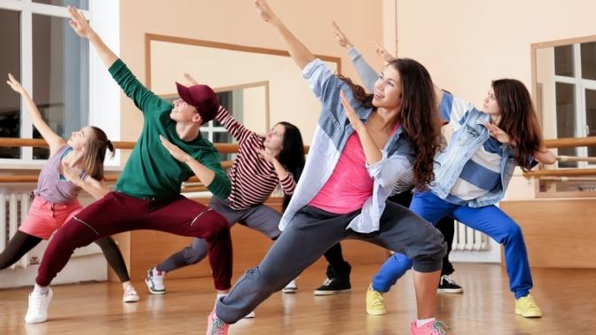 Занятия танцами различных направлений втанцевальной студии IDance