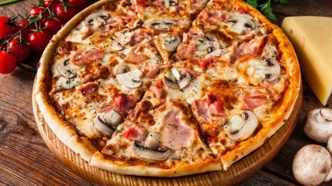 Сеты изпиццы или осетинских пирогов отпекарни MalitiPizza