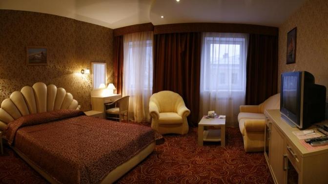 Отдых вцентре Калуги сзавтраком, ужином, посещением сауны или без отеле «Алые паруса»